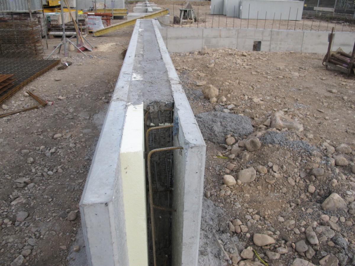 Weitere fundamente finden ihren platz reichel - Fundament fur gartenmauer ...