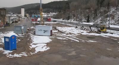 Der Winter ist nun auch in Neustadt auf dem Rückzug, letzte Schneereste stören nicht mehr bei der Baustelleneinrichtung.